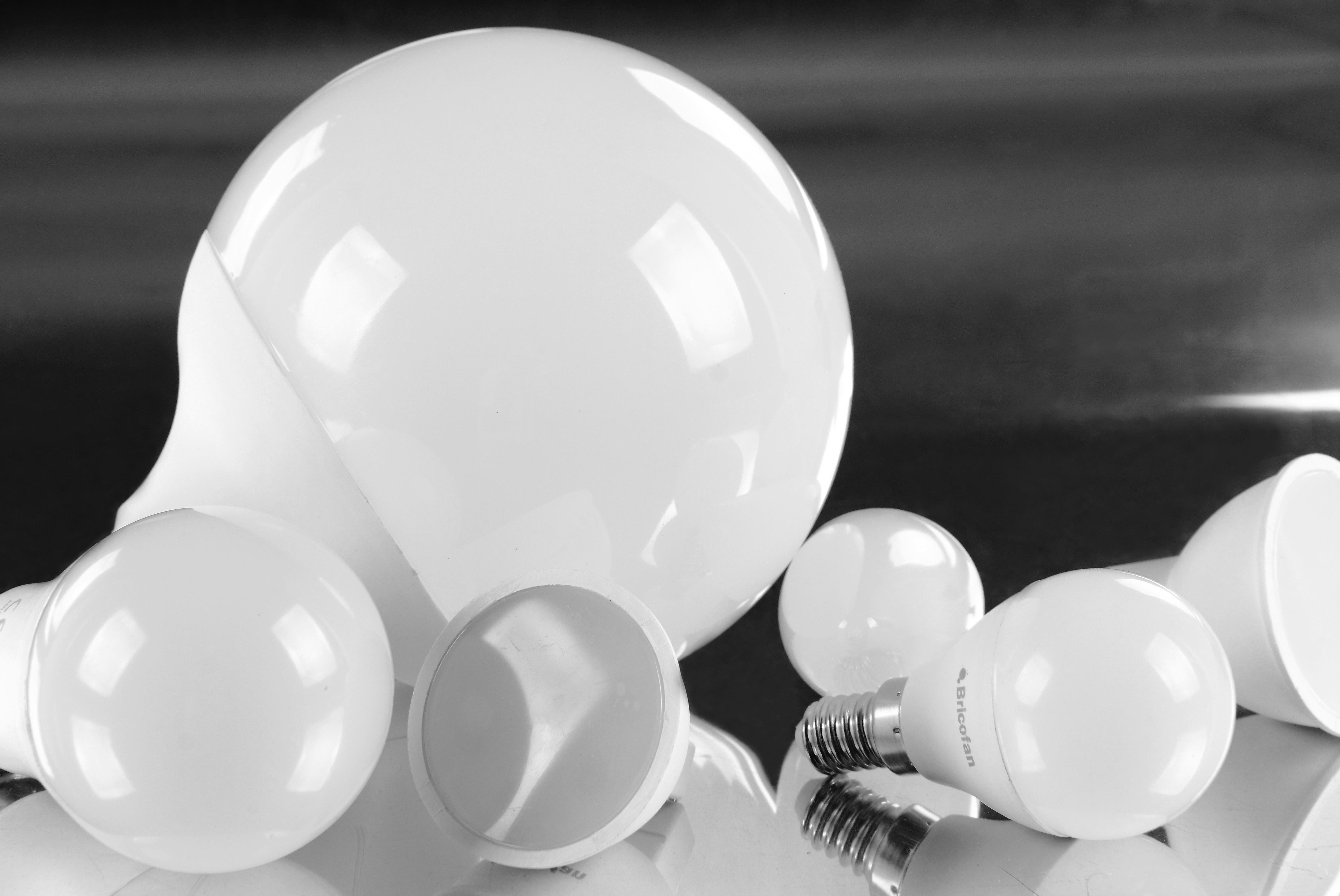 gama de iluminación LED Bricofan para el hogar o negocio